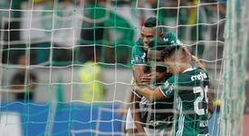 Palmeiras se llevó el triunfo en un final de infarto. EFE