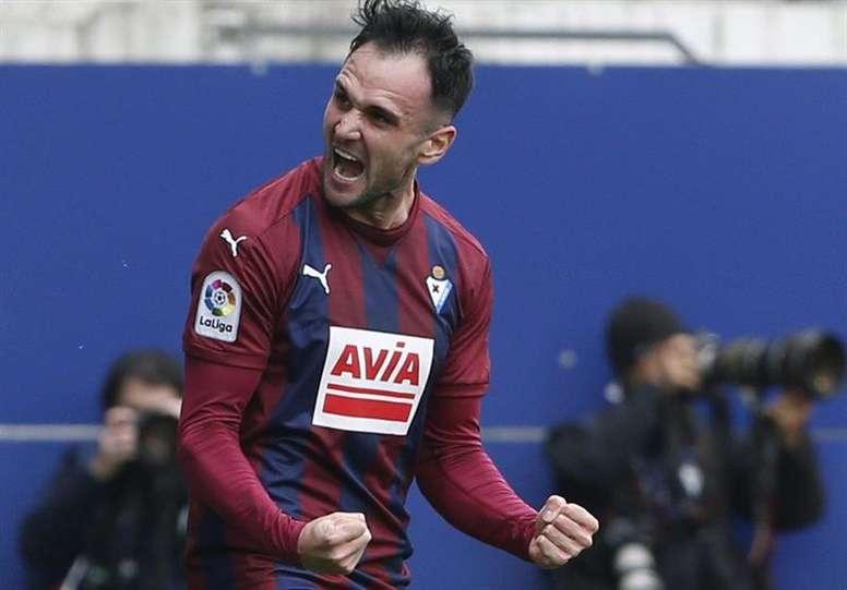 Kike García ouvre le score dans le match de la 28è journée de Liga entre Eibar et Espanyol. EFE