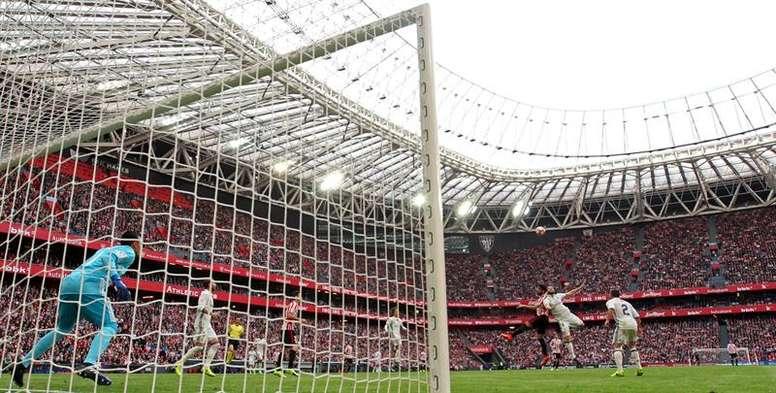 Pin Un total de 49.095 espectadores presenciaron el encuentro entre el  Athletic y el Real Madrid. 6ad91fa13a42e