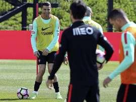 L'attaquant Cristiano Ronaldo participe à l'entraînement de la sélection du Portugal. AFP