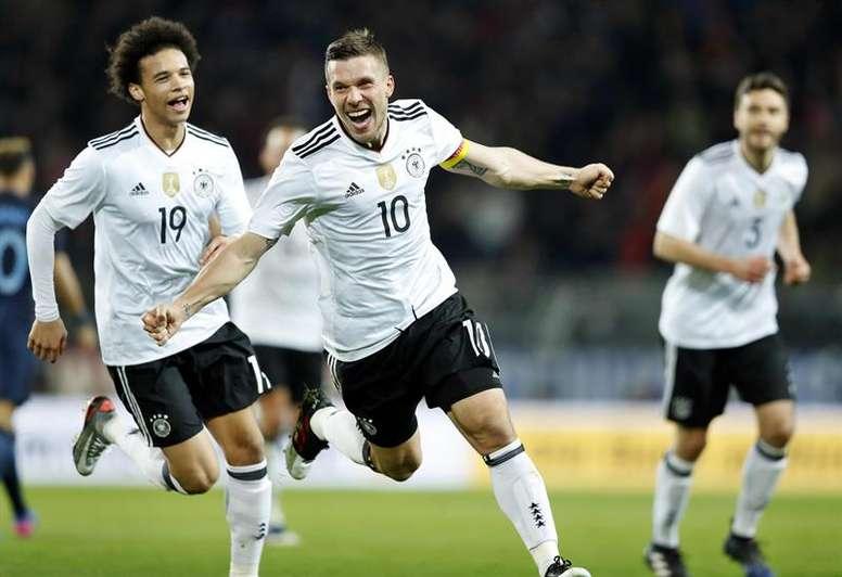 Los tres equipos de América que seducen a Podolski. EFE