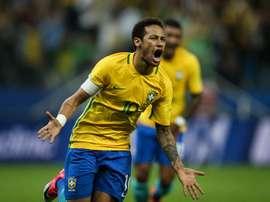 Neymar volta a campo e evita vitória da Colômbia. EFE