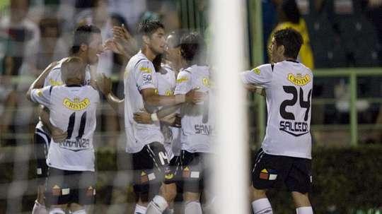 El Transición chileno vuelve con tres equipos en lucha cerrada por el título. EFE