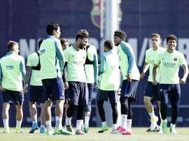 El FC Barcelona se quiere hacer con un joven de la cantera del Valencia. EFE