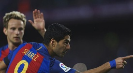 Even players of Suarez's quality don't always have things their own way. EFE