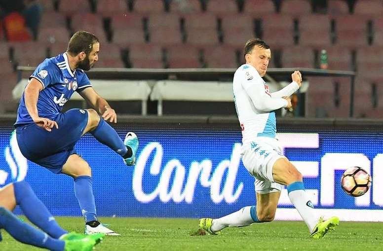 Napolitanos venceram por 3-2, mas não foi suficiente para seguirem para a final. EFE