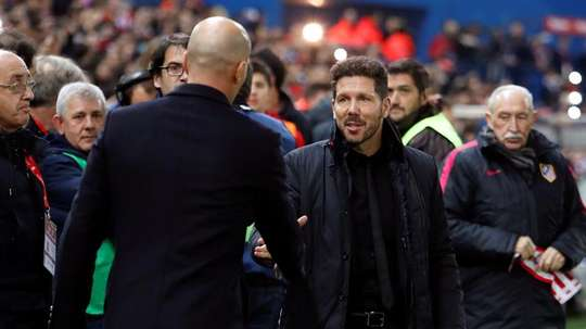 Zinedine Zidane and Pablo Simeone have not faced each other in a while. EFE