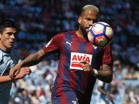 Bebé vai continuar a jogar em Espanha . EFE