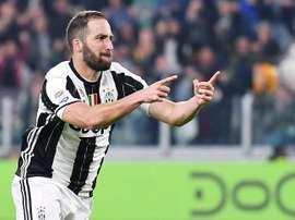 Triunfo da Juventus com dois gols de Higuaín. EFE