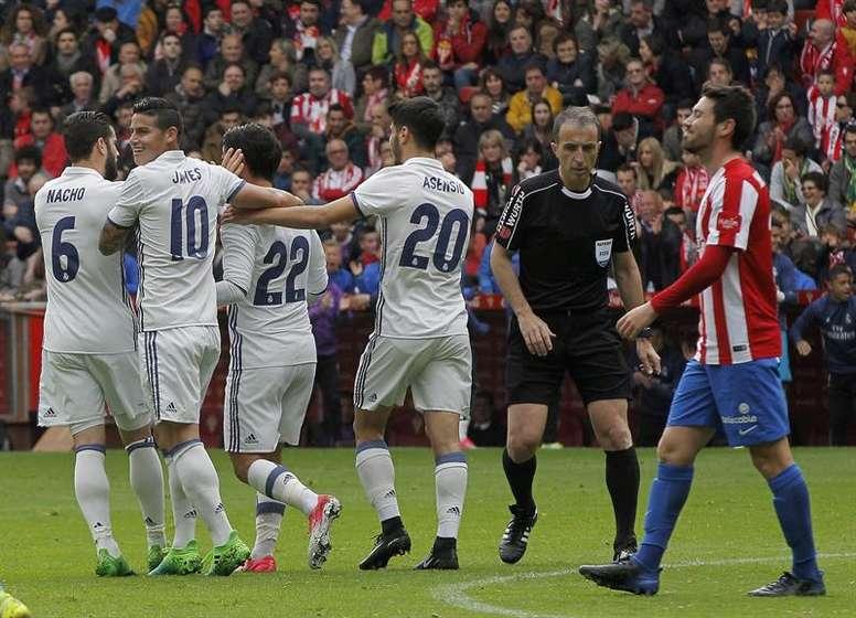El Madrid no piensa cambiar la tipografía de sus dorsales para unificarlos con el resto. EFE/Archivo