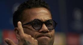 El 'Sun' ha desvelado la cantidad que cobraría Dani Alves por jugar en el Manchester City. EFE