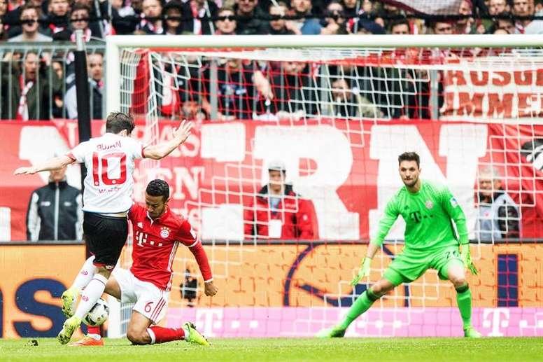 Bojan inauguró el marcador en el Bayern-Mainz de la jornada 30 de la Bundesliga. EFE/EPA