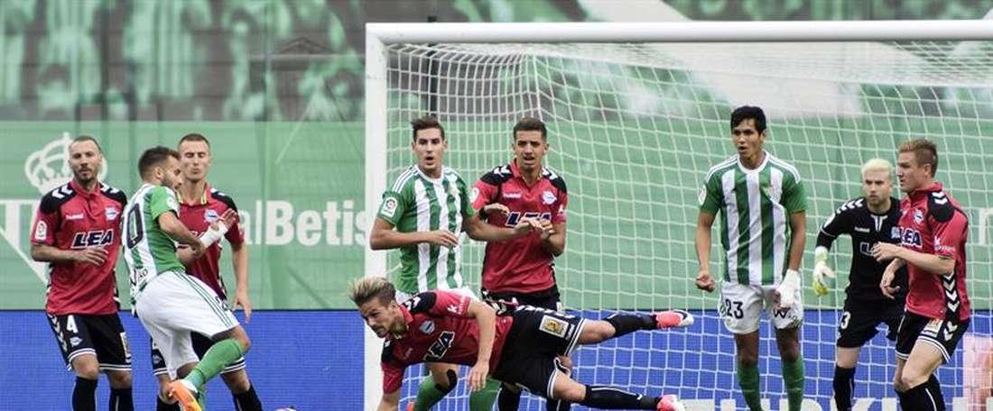 O Betis sofreu a goleada do Alavés na sua própria casa. EFE