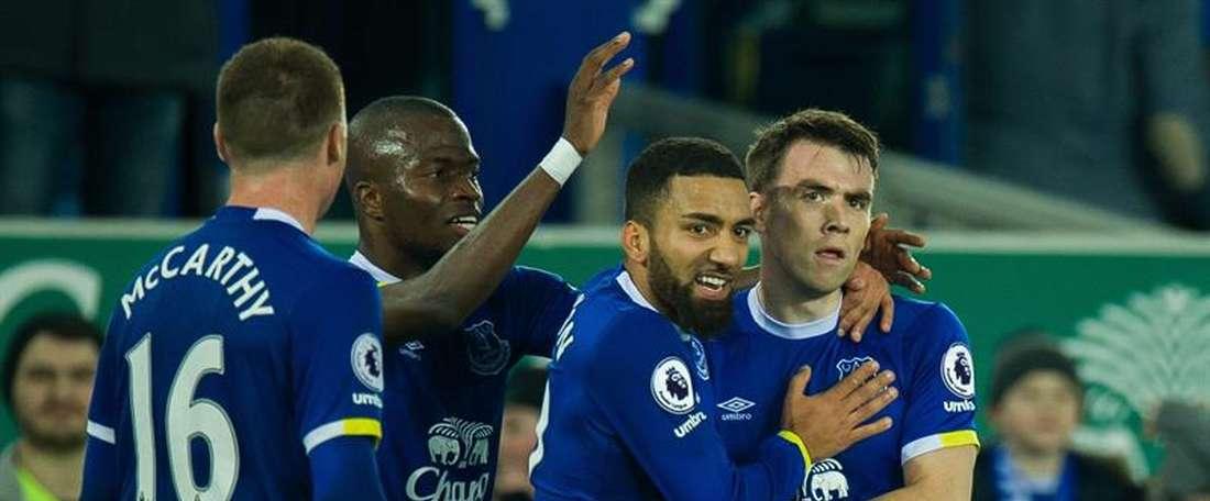 Everton refait une offre pour Bowler. EFE