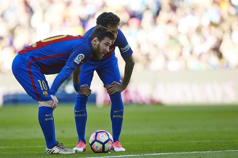 Messi querría a Neymar en el Barcelona otra vez. EFE