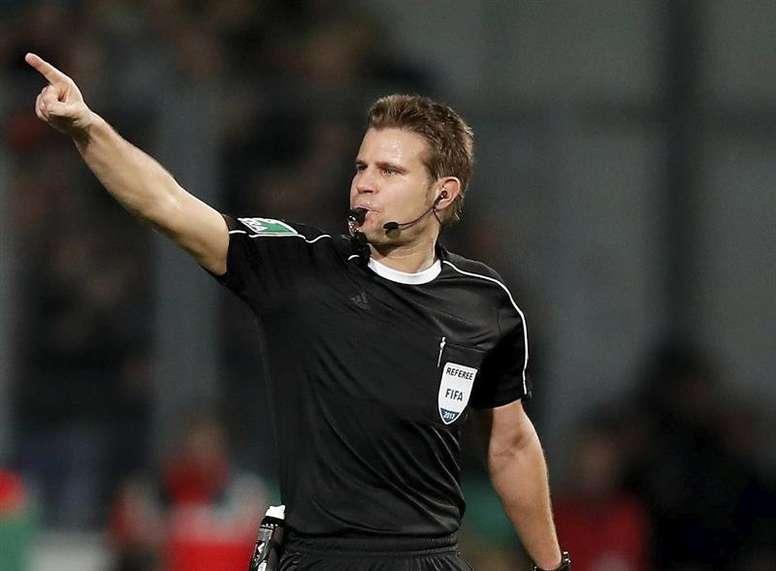 Definido o árbitro de Barça-United. EFE/Archivo