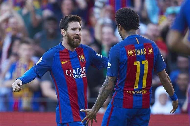 Van Gaal fait l'éloge de Messi et ne voit pas Neymar au Barça. EFE