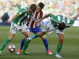 Betis e Atlético de Madrid empataram a uma bola na 37ª rodada da LaLiga. EFE