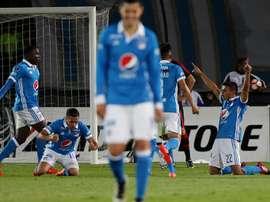 El futbolista firma por tres temporadas con el club colombiano. EFE