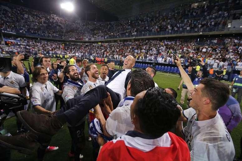 El Real Madrid celebra tres años de su última Liga. EFE