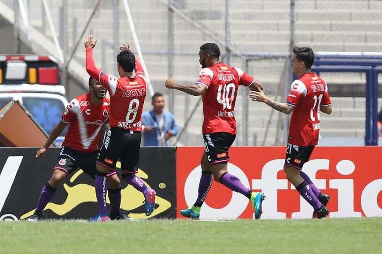 Sevilla will not buy Tiburones Rojos. EFE