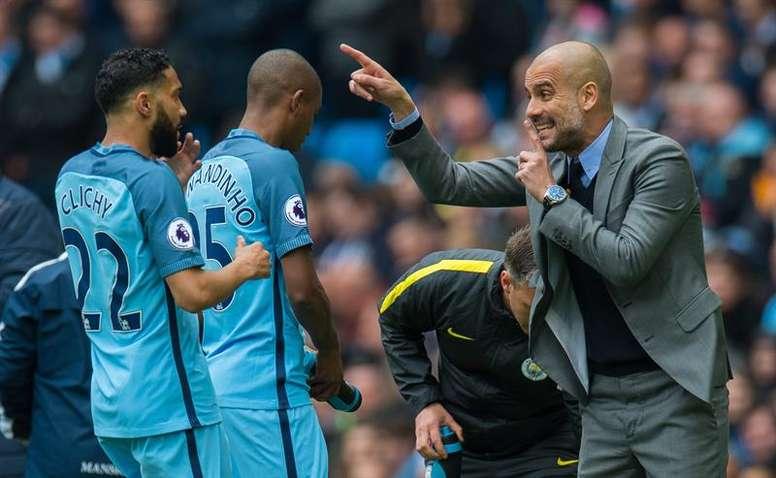 El Manchester City de Pep Guardiola cede a tres jóvenes jugadores al NAC Breda. EFE