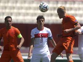 Turco de 20 anos assinou pelos espanhóis do Villarreal. EFE
