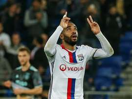 Lacazette will stay at Lyon. EFE/Archivo