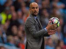 L'entraîneur du Manchester City, Pep Guardiola, est intéressé par un jeune défenseur du Barça. EFE