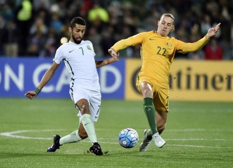 El internacional australiano quiere cambiar de equipo. EFE/Archivo