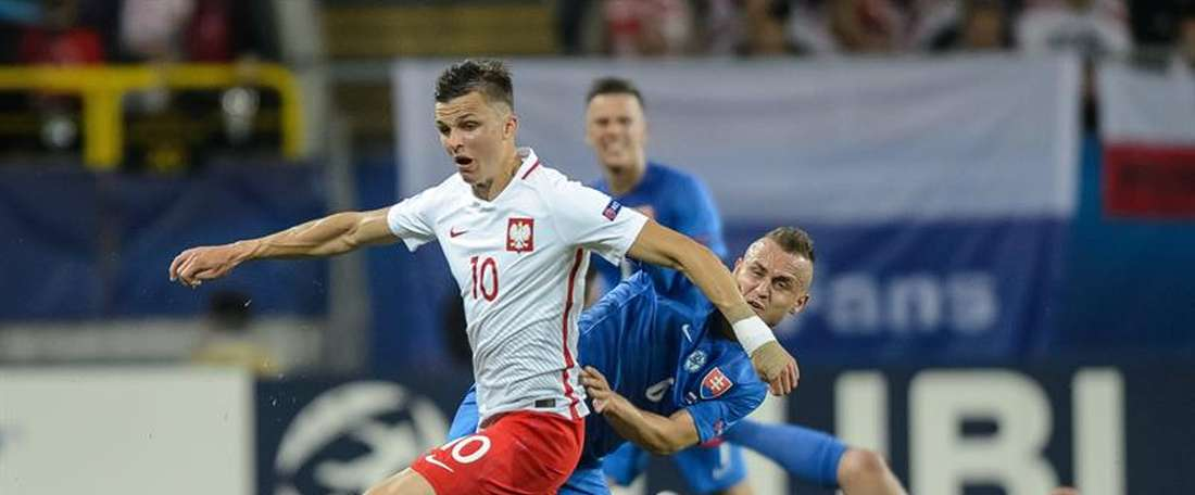 Patryk Lipski podría poner rumbo al Rijeka. AFP