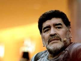 Maradona atizó fuertemente la idea de jugar ante Singapur. EFE