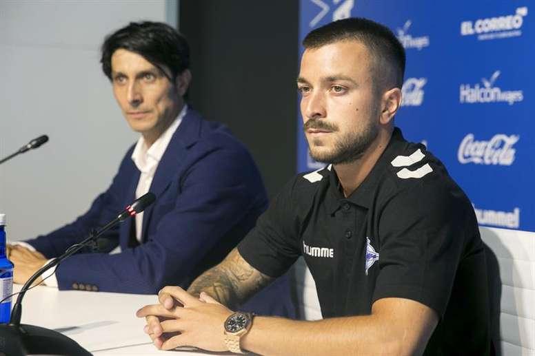 Héctor aseguró que el proyecto del Alavés fue clave para convencerle. EFE
