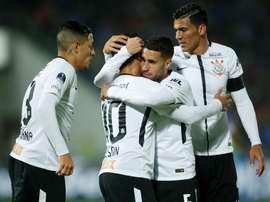 Corinthians e Atlético Mineiro empataram em 2-2. EFE