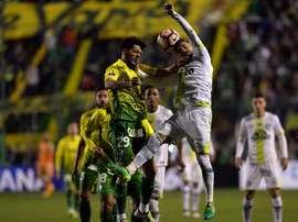 Chapecoense empató a tres ante Fluminense. EFE