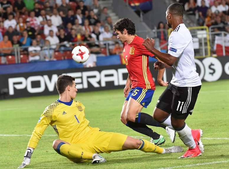 Vallejo will train with Spain in the lead up to the World Cup. EFE