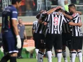En la imagen, jugadores de Atlético Mineiro celebran una anotación. EFE/Archivo