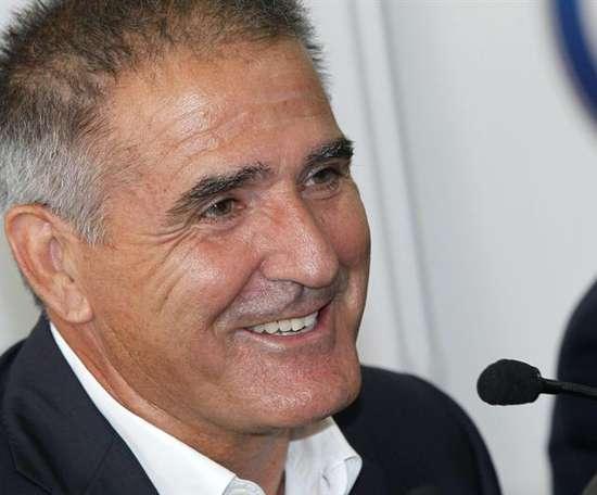 El técnico del Sporting dio la lista de convocados para Lugo. EFE/Archivo
