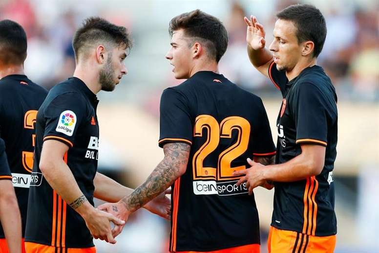 Marcelino ha debutado con victoria al frente del Valencia. AFP