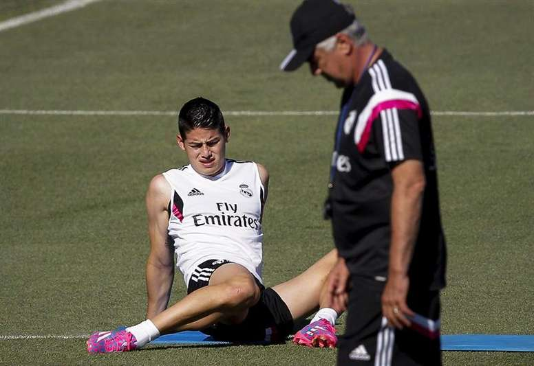 Ancelotti no pierde de vista a James. EFE