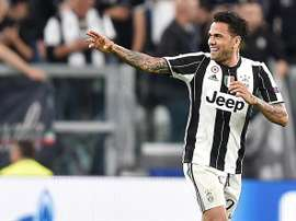 Sarri freou retorno de Dani Alves à Juventus. EFE/Archivo