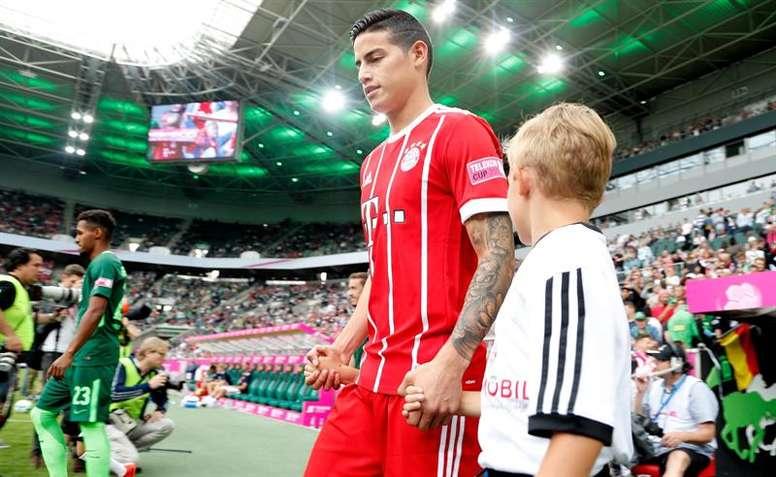 James disfrutó en su debut con el Bayern. AFP