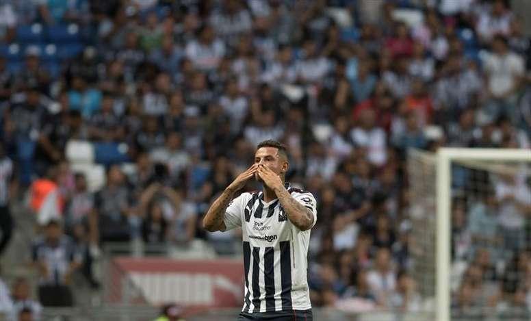 Edwin Cardona es uno de los jugadores que ha fichado por Boca. EFE/Archivo