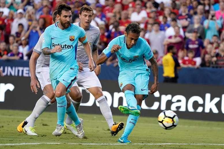 Neymar sigue siendo visto como el sucesor de Messi. EFE/Archivo