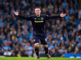 Rooney kept his nerve to convert a late penalty. EFE/Archivo