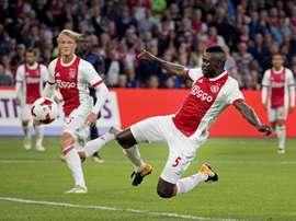 O Ajax lidera o ranking e segue mostrando o poder da sua formação. EFE