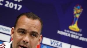 Venezuela acusa o Paraguai de distrair os seus jogadores com mulheres. EFE