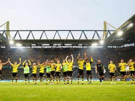 Dortmund celebrate with fans. EFE