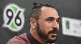 El delantero portugués Hugo Almeida anunció su retirada. EFE