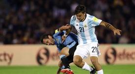 Paulo Dybala se uniu as críticas contra Sampaoli. EFE